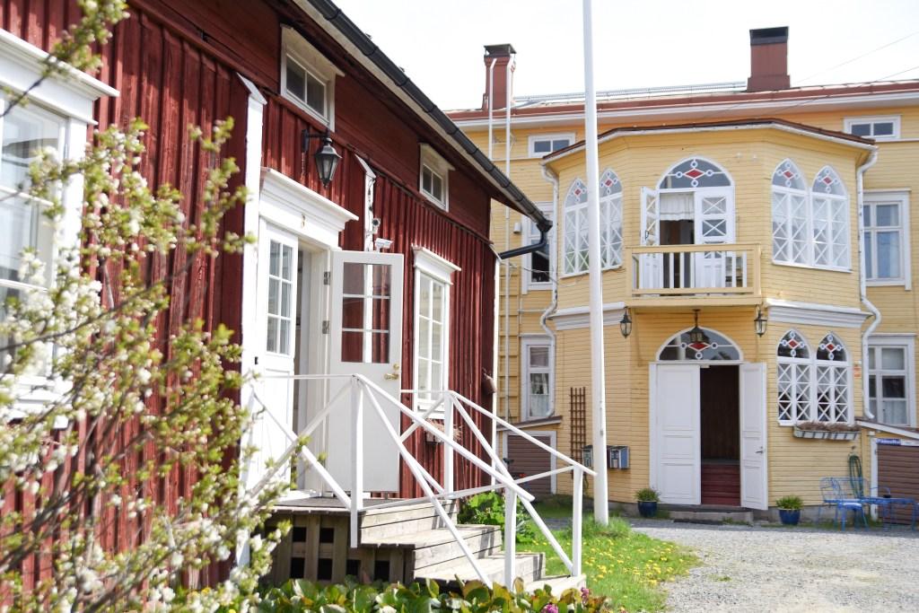 Hotelli Krepelin - Päärakennus ja Leivintupa
